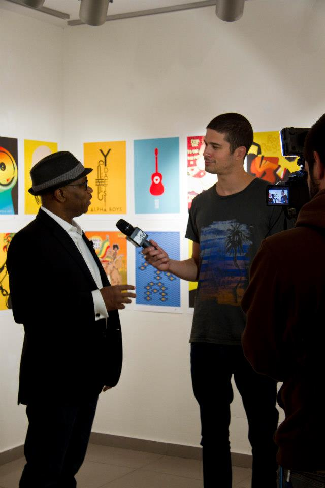 Michael Thompson being interviewed by MTv channel.